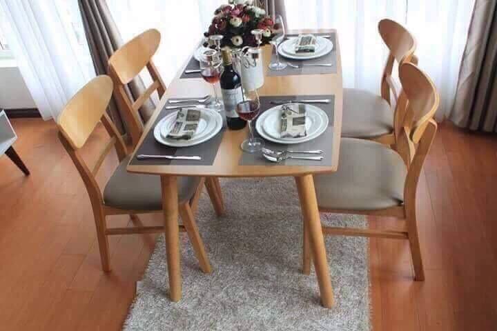 bộ bàn ghế phòng ăn phương Tây
