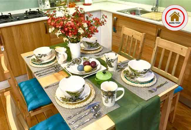 Mẹo bài trí bàn ăn gỗ nổi bật trong những ngày Tết Kỷ Hợi 2019