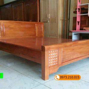 Giường ngủ gỗ xoan đào kiểu đơn giản GN11