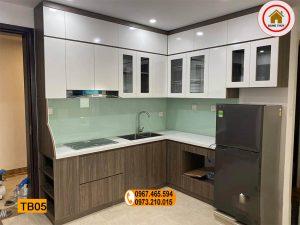 Tủ bếp chữ L liền tủ lạnh gỗ công nghiệp TB05