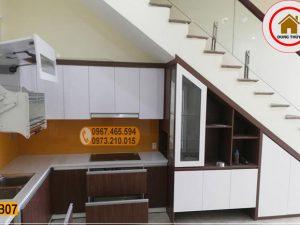 Tủ bếp gầm cầu thang gỗ công nghiệp TB07